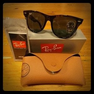 Ray-Ban Wayfarer RB2140 Unisex sunglasses